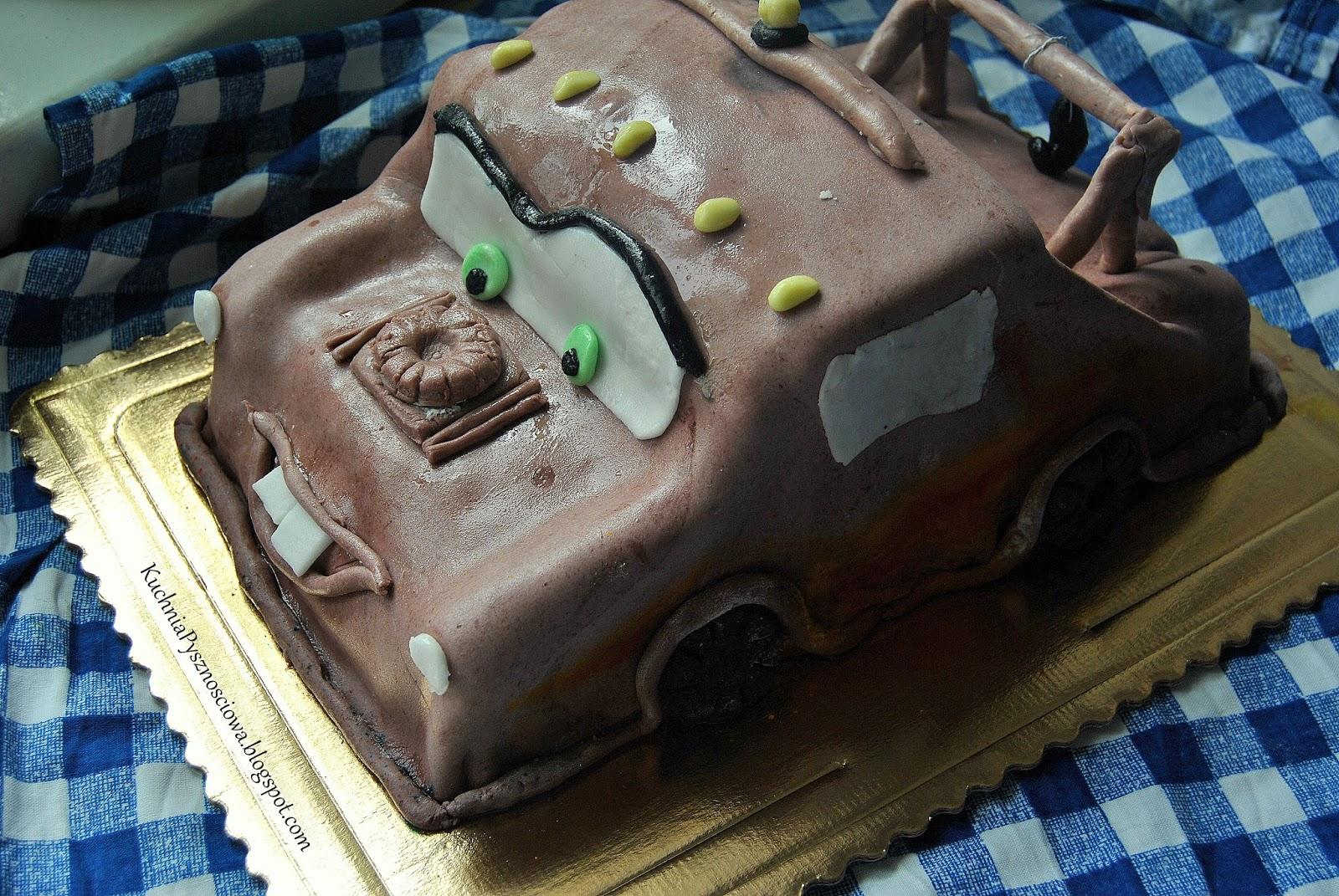 Tort Złomek i ciastka z Polonezem Caro dla gości