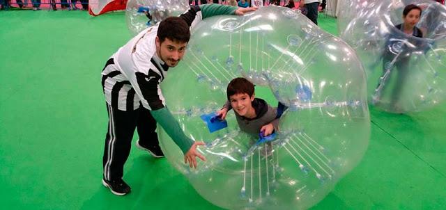 El Bubbleefootball es ideal para todas las edades, ademas fomenta la participación, y permite la recreación entre ambos géneros sin riesgos de lesión
