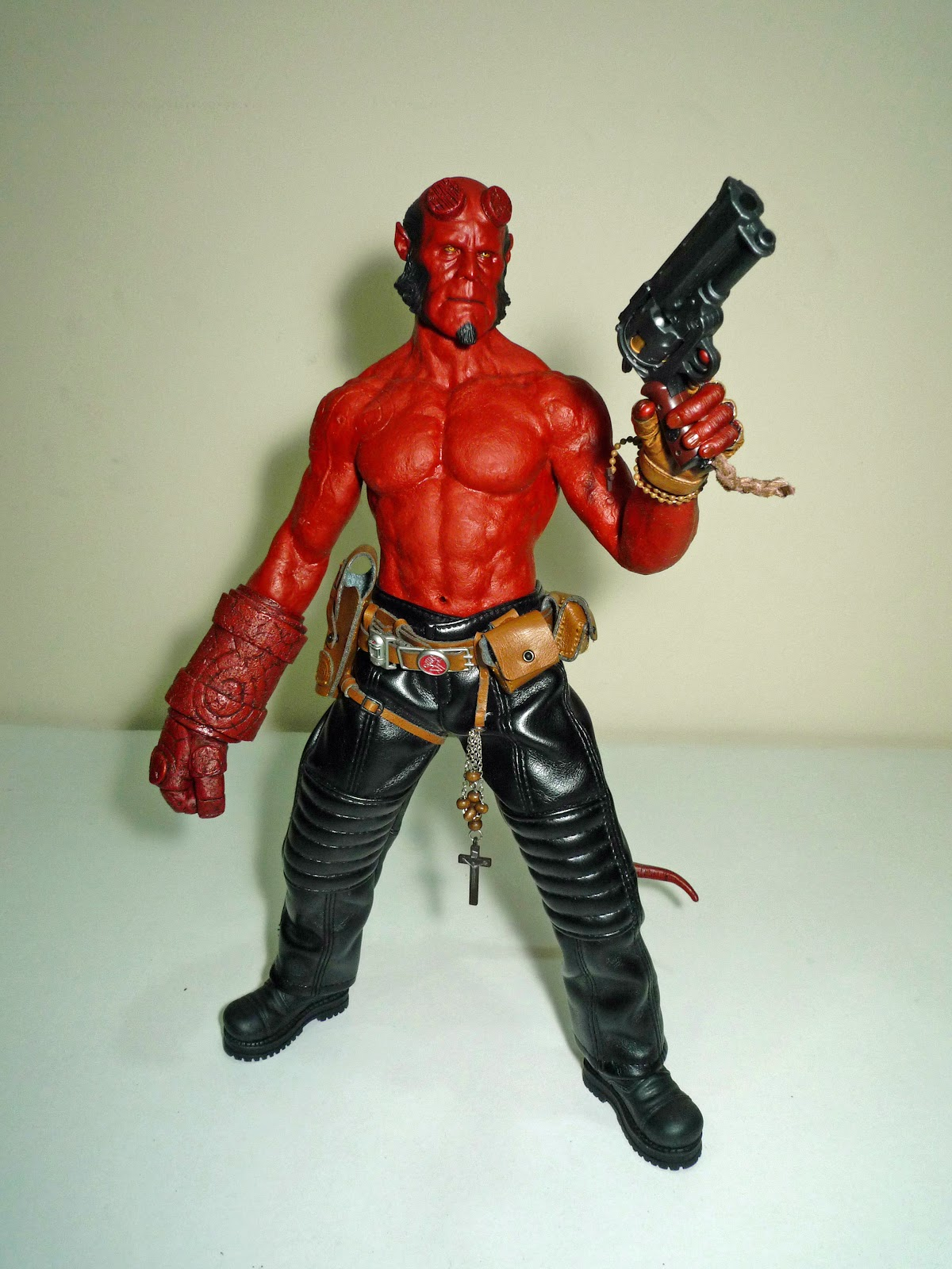 The Men In Tights Hot Toys Hellboy