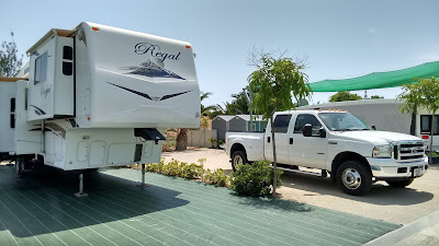 36' 5th wheel delivered and sited in Spain