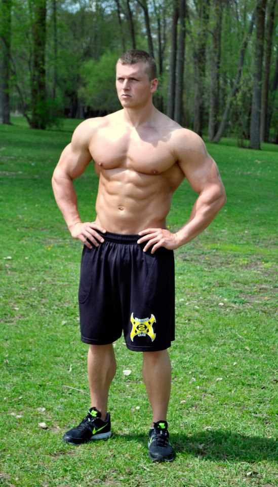 shirtless-buff-jock-huge-arms