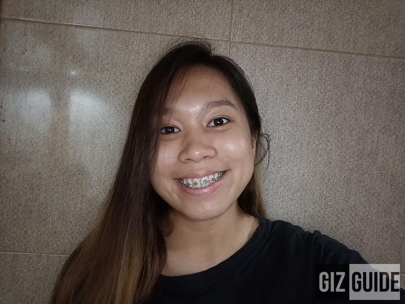 Lowlight selfie with screen flash F9