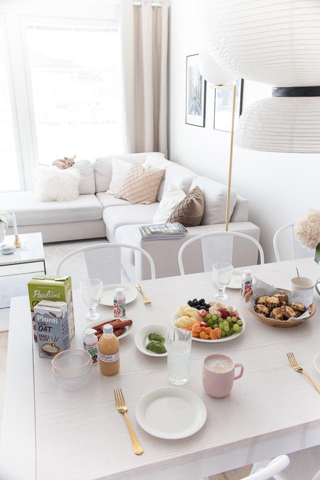 Villa H, brunssi, ruokailutila, sisustus, olohuone