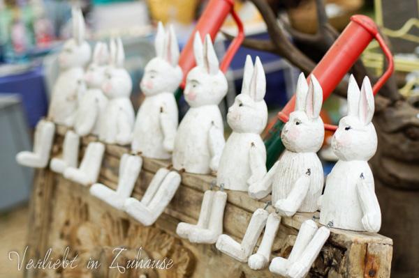 2in1 Photoday: Bildbearbeitung und Doppelbelichtung mit hölzernen Hasen. Fotografiert auf einem Brocante-Markt in Frankreich