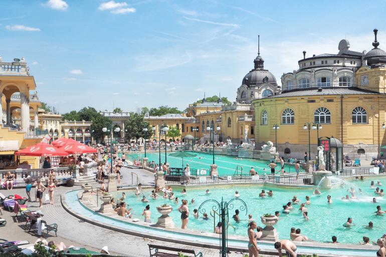 Bain thermal de Széchenyi à Budapest