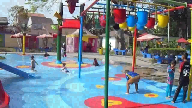 Kolam renang anak Taman Wisata Tirtoyoso Park