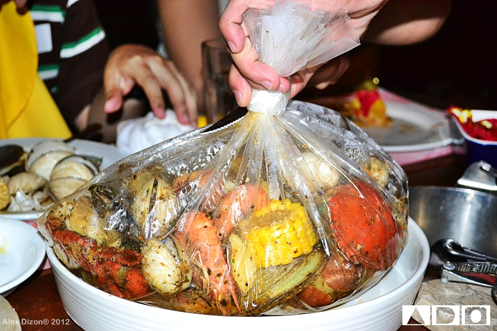 The Flavors To Choose From Are Seafood Boil E Garlic Er Creole Cajun And Clawdaddy We Had Two Bags That Night Both In Bag