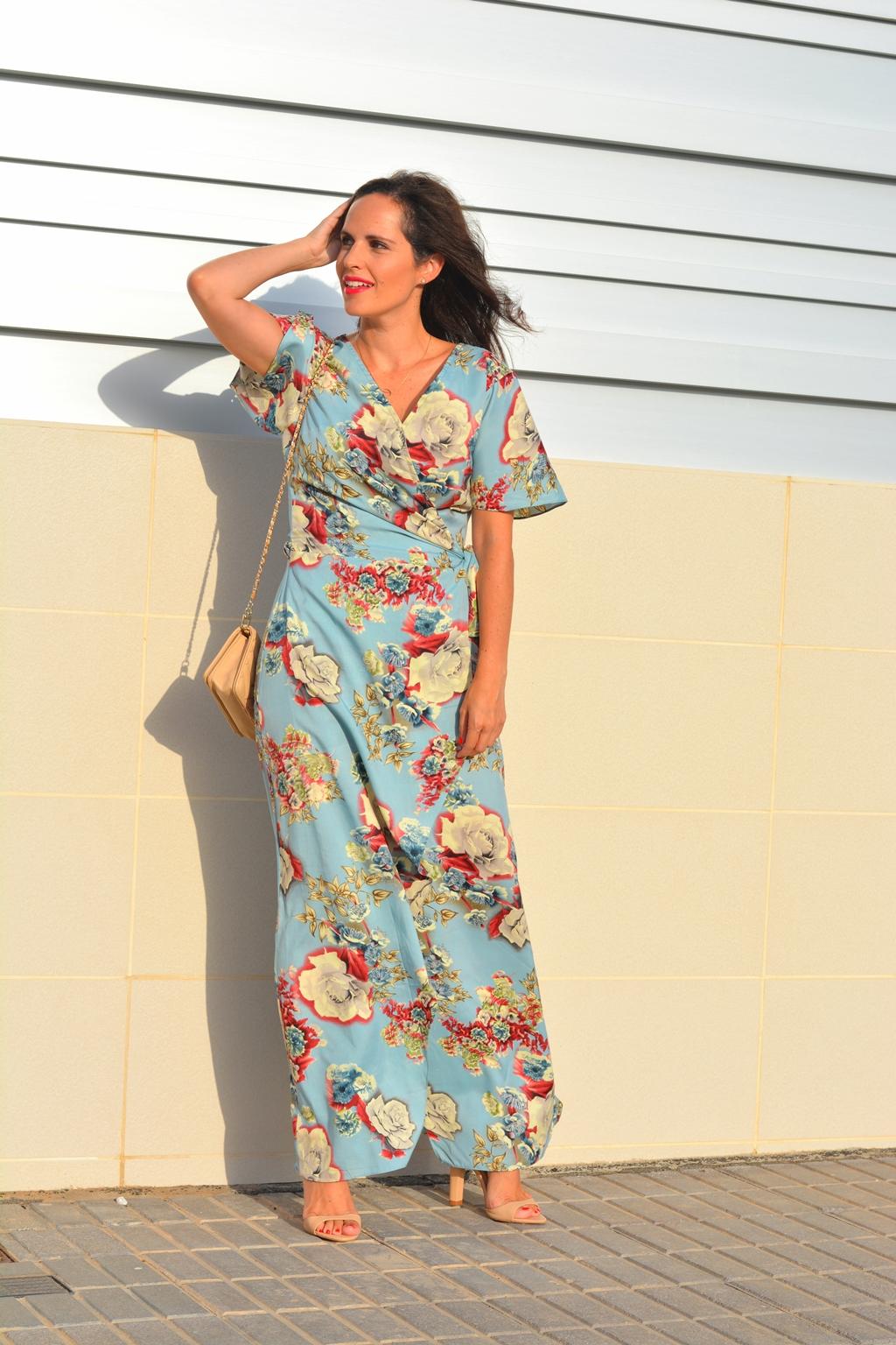 vestido-largo-de-flores-outfit-street-style