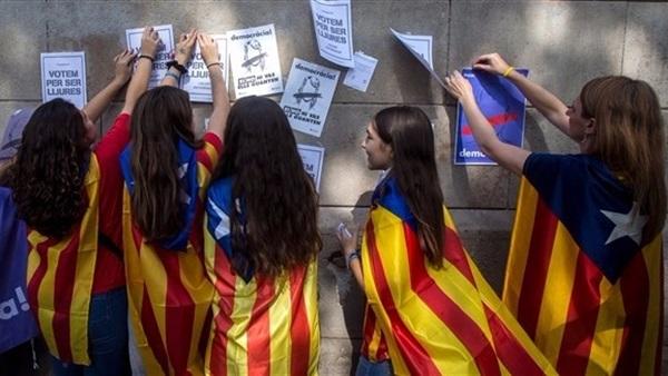 تفاصيل  انضمام برشلونة الي الدوري الانجليزي في حالة انفصال اقليم كتالونيا عن اسبانيا 2018 تعرف علي القنوات الناقلة لمباراة برشلونة في الدوري الانجليزي بعد انفصال كتالونيا عن اسبانيا اليوم
