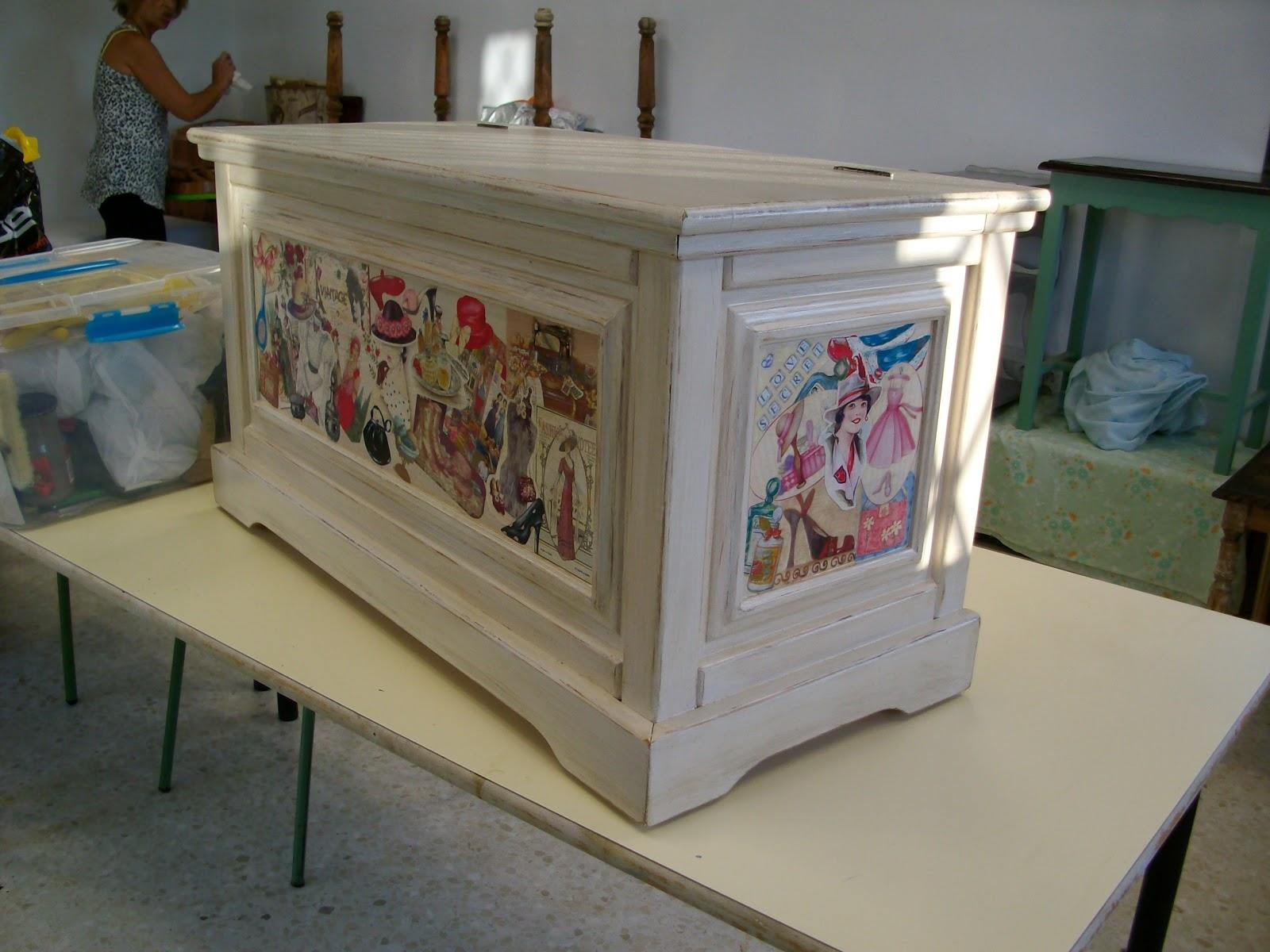 El rincon de angela como reciclar un mueble de madera con - Lacar un mueble de madera ...