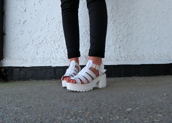spylovebuy white summer chunky sandals @ hayleyeszti