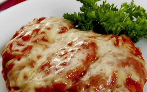 Receita de polpetone à moda pizzaiolo (Imagem: Reprodução/Piatto Congelato)