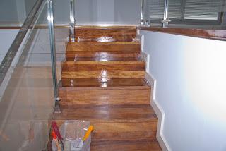 Barnizar escalera