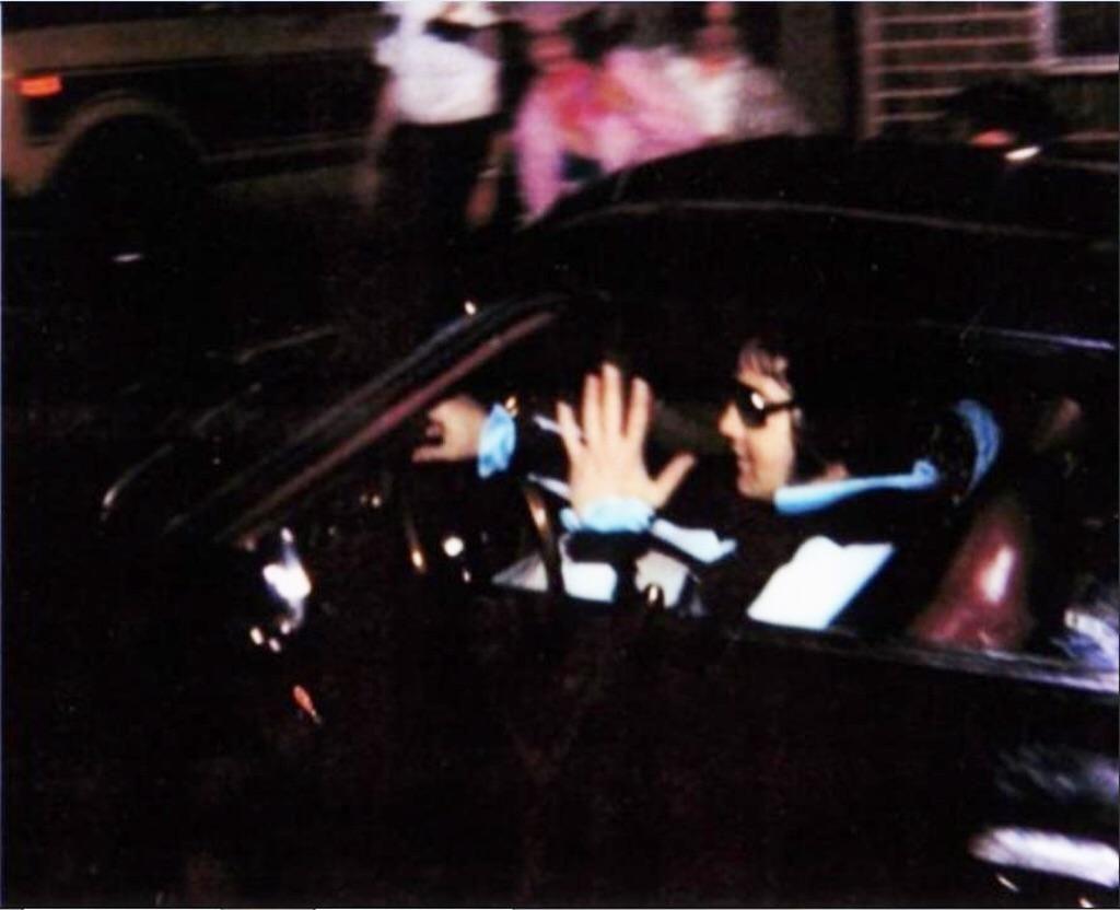 """Résultat de recherche d'images pour """"last pictures elvis august 77"""""""
