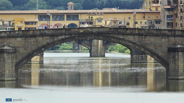 Fiume Arno su Firenza - Río Arno a su paso por Florencia