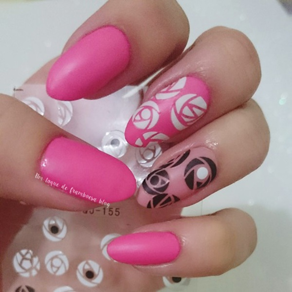 unhas decoradas simples com rosas minimalistas
