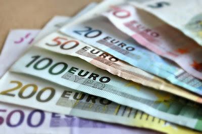 Definisi Uang, Fungsi dan Jenis Uang