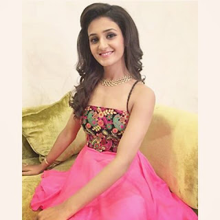 Shakti Mohan Latest images