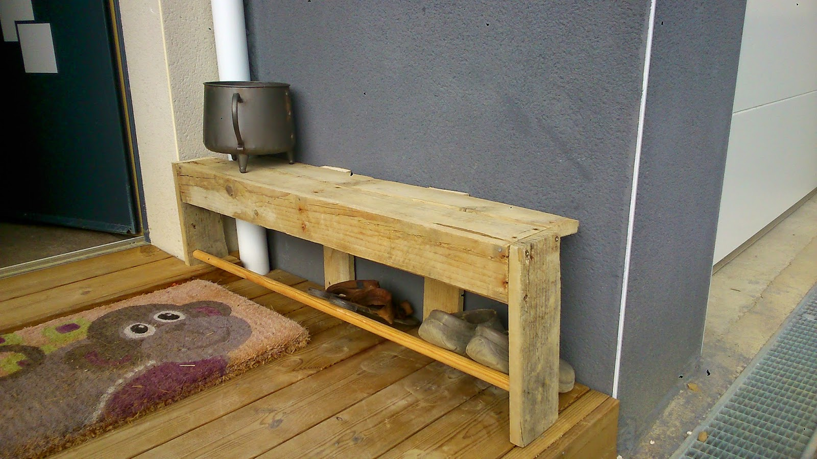 ti case en bois palettes. Black Bedroom Furniture Sets. Home Design Ideas
