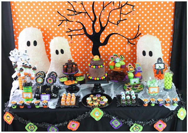 Halloween Candy Table Ideas.Be Different Act Normal Halloween Dessert Table Ideas