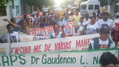 Caps de Delmiro Gouveia realiza passeata pelo Dia Nacional da Luta Antimanicomial