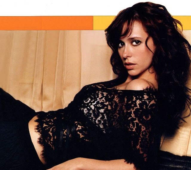 Jennifer Love Hewitt Bold Black Dress