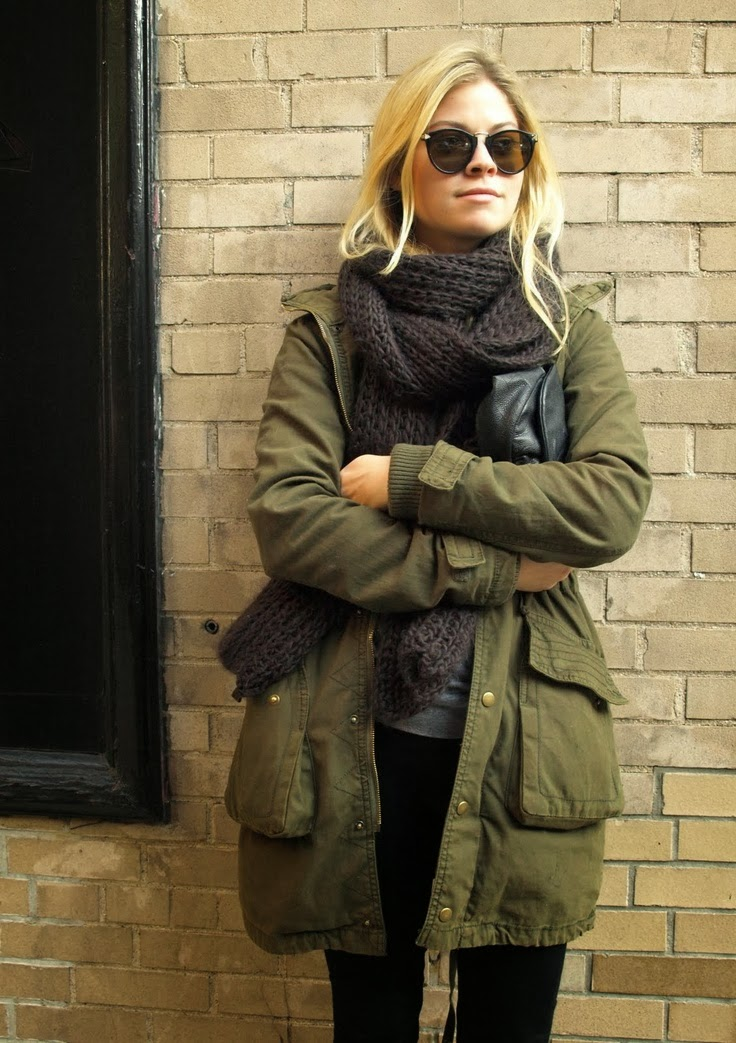 Women's Fashion army green coat + chunky knit scarf + black jeans