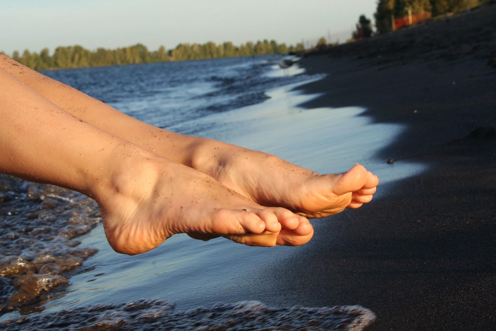 all girls bare feet sex