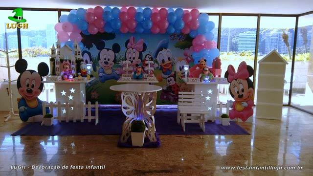 Mesa temática provençal tema Baby Disney para festa de aniversário feminino