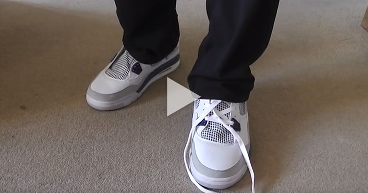 "How to ""tie"" your shoelace without using your hands"