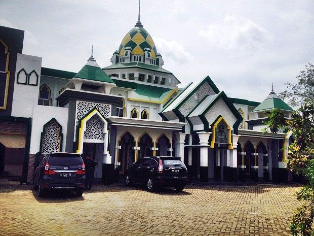 alamat masjid podomoro ldii pontianak
