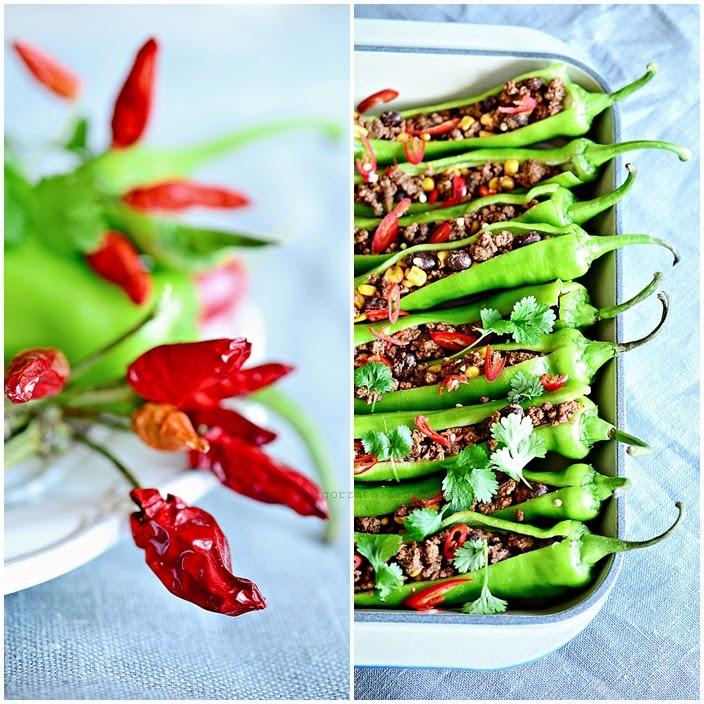 Ciąg dalszy kuchni meksykańskiej ... zielona faszerowana wołowiną papryczka !