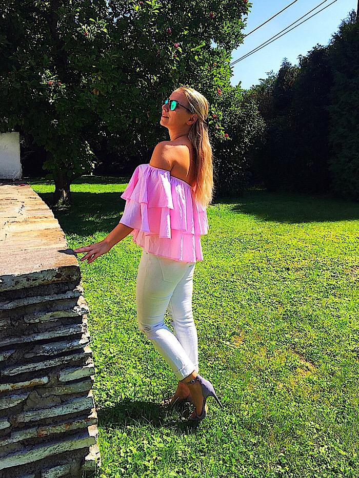 SassyClassy Off-Shoulder Bluse