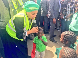 Minister of Environment Amina Mohammed spotted cleaning a gutter