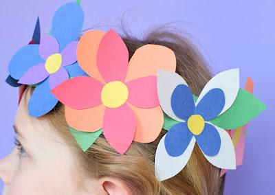 Manualidad de la primavera: corona de flores