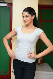 Actress Sakshi Chowdary Pictures in Black Jeans with Selfi Raja Team at Radio Mirchi  0063