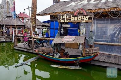Museum angkut atau ada yang bilang Museum Angkot adalah salah satu objek wisata yang sangat dimintai dan cukup populer di daerah Batu Malang, Jawa Timur. Lalu ada apa sih di Museum Angkut ini kok sampai begitu boomingnya ?