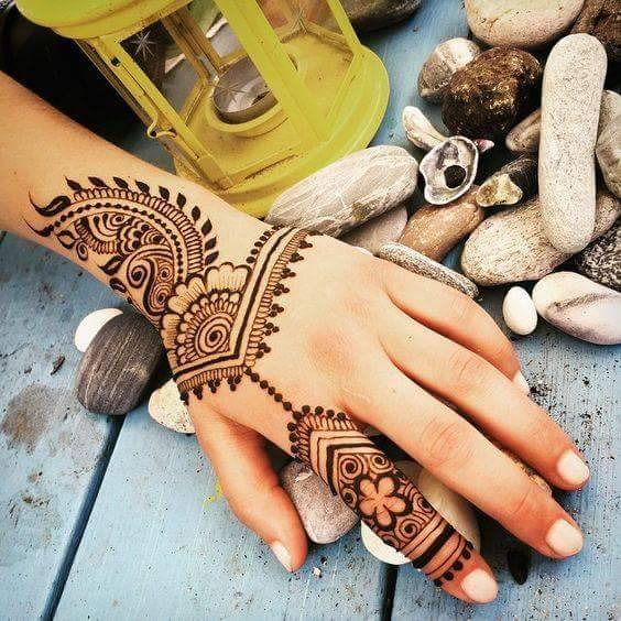 How The Henna Hue And Designs Evolved From Medieval To A Global Art