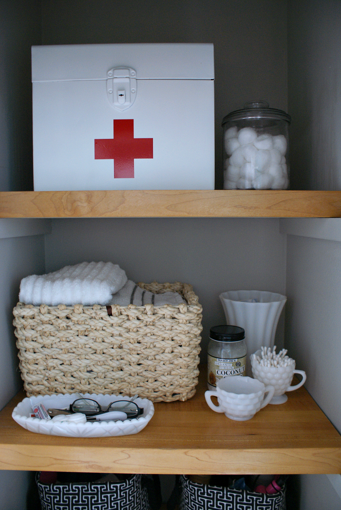 Ideas for organizing a small bathroom + Vintage Inspired First Aid Kit