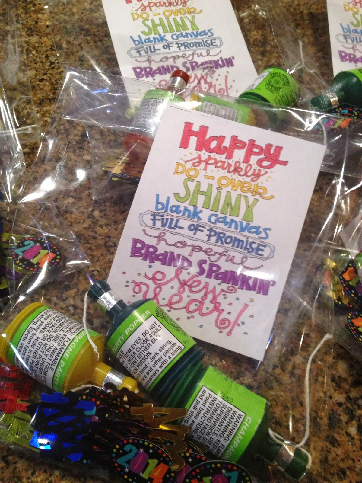 Creative Party Ideas by Cheryl: New Year's Eve Gift Bags ...