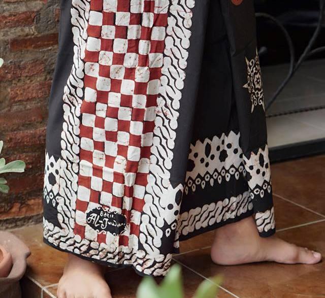 Sarung Batik Aljuwani Motif Etnik Bali