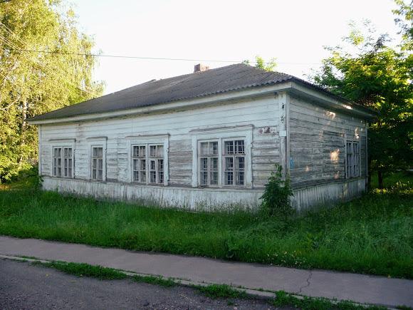 Конотоп. Дерев'яний будинок по вул. Бориса Олійника