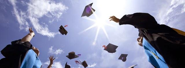 graduates1 Invito laurea intagliatoLaurea
