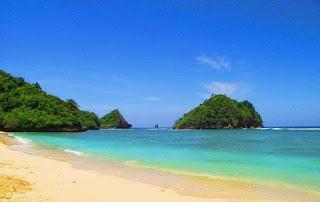 Pantai Tiga Warna, Malang.