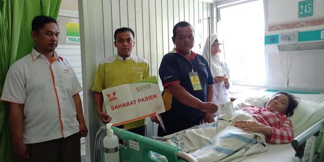 Serahkan Dana Sahabat Pasien, BMH Sinergi Bersama Lazismu dan Rumah Sakit Roemani Semarang