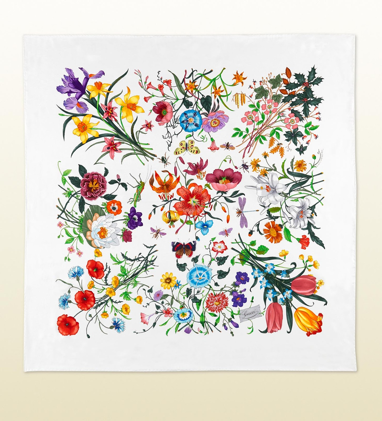 b09b400d5 Gucci Flora...not only a scarfGucci Flora...not only a scarf | The ...