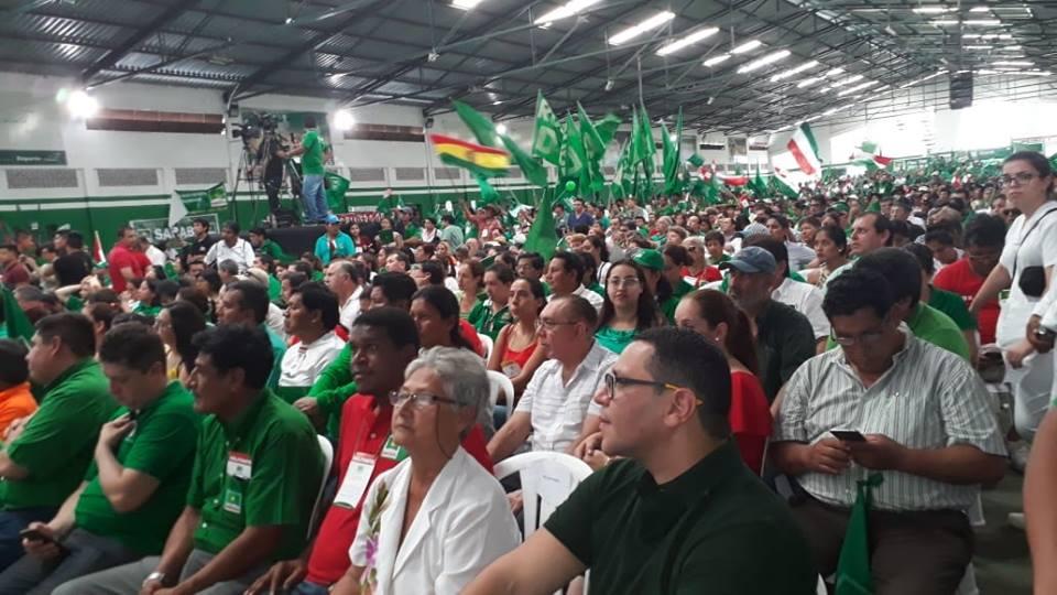 El encuentro nacional de los Demócratas se realizó en el coliseo Santa Rosita / FACEBOOK ANDRÉS TRAVIESO