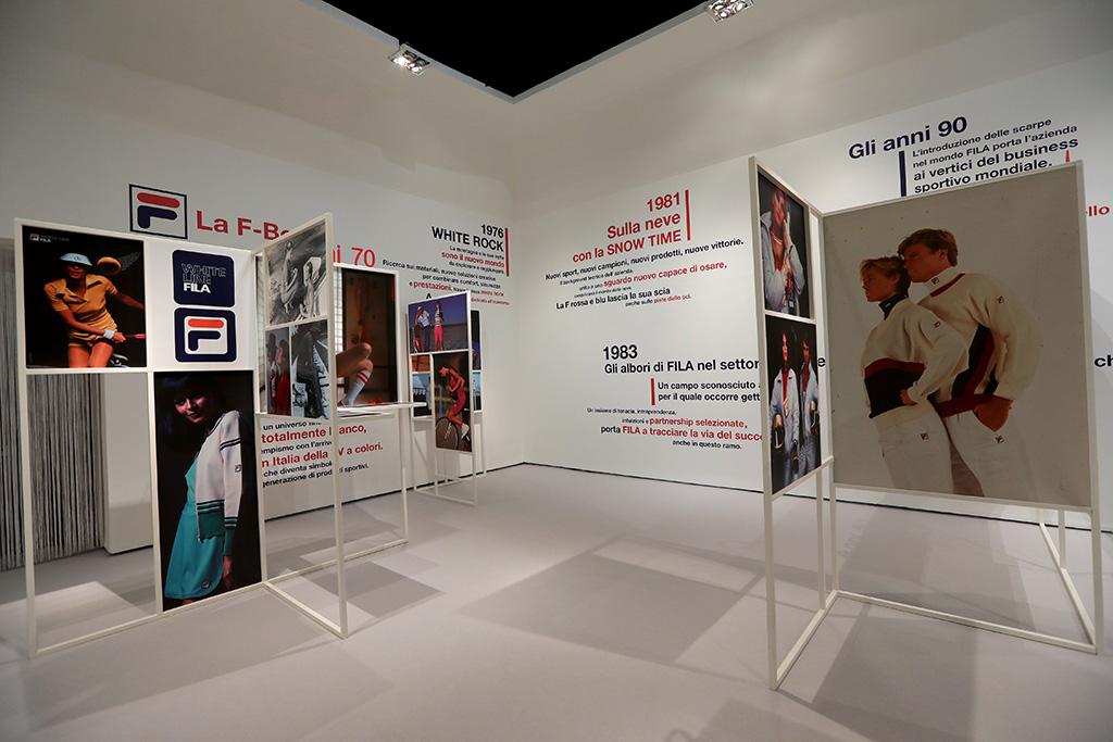 81f2a5d9bb La exposición está en el Museo Triennale, una de las instituciones de arte,  diseño y moda de Milán más reconocidas. Entonces, si estás por aquí no  dudes en ...