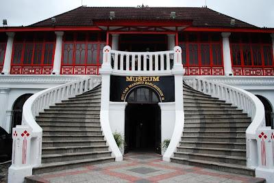 Tempat Wisata Terbaik di kota Palembang Museum Sultan Mahmud Badaruddin II