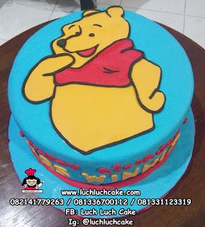 Kue Tart Winnie The Pooh Fondant 2D